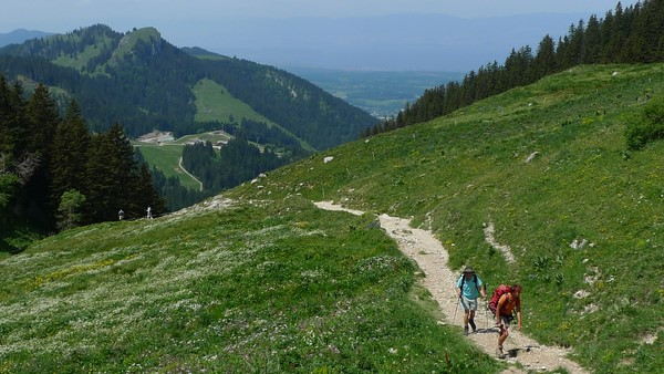 independent walking holiday alpine trekking France